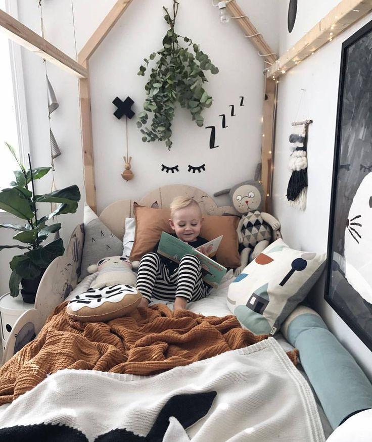 Junge Schlafzimmer Idee. Liebe allesamt Textur, Pflanzen und Wanddekor!