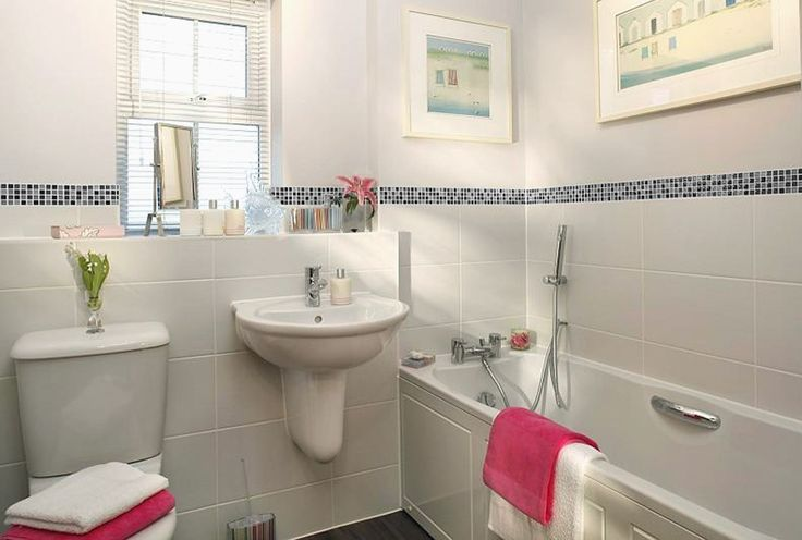 Shown in this picture is Tanami Grey, a rectangular tile which is made from high quality porcelain meaning it can be used on both walls and floors. These look fab when used with a range of mosaics and the price is fab too!