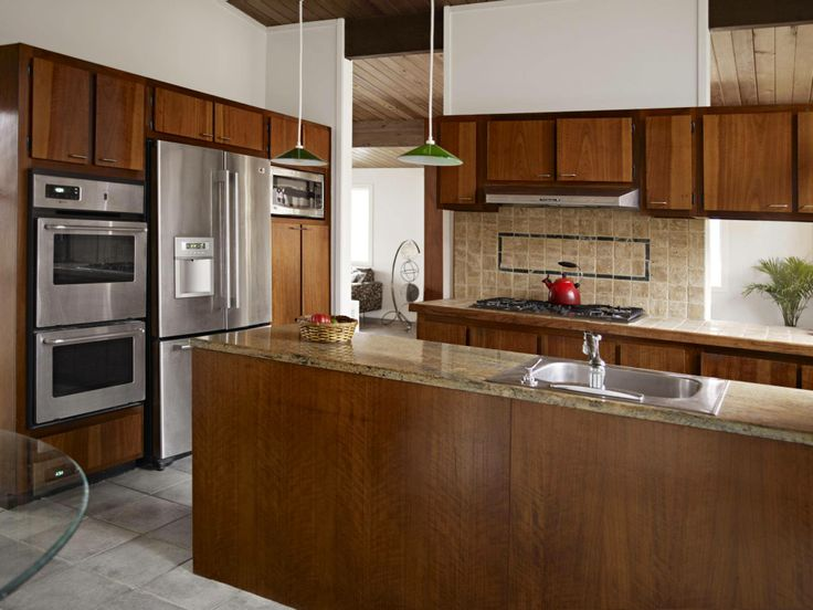 Cabinet Refacing: An Affordable, Eco-Friendly Alternative to New Cabinets