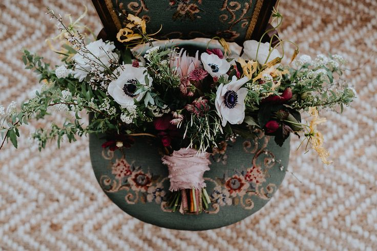 Mauve is seen in the earliest spring flowers like hellebores, which Devon & Pinkett included in the bouquet & floral arrangements.