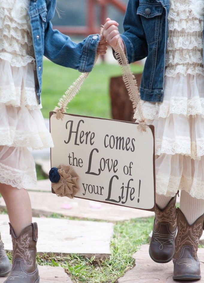 Here comes the love of your life sign  #cowgirl #wedding #cowgirlwedding   http://www.islandcowgirl.com/
