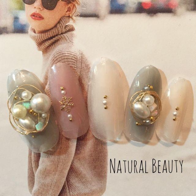 ワイヤーパールネイル♡ #パール #ビジュー #デート #パーティー #グレー #冬 #ピンク #雪の結晶 #ジェルネイル #ホワイト #ハンド #ミディアム #チップ #naturalbeauty #ネイルブック