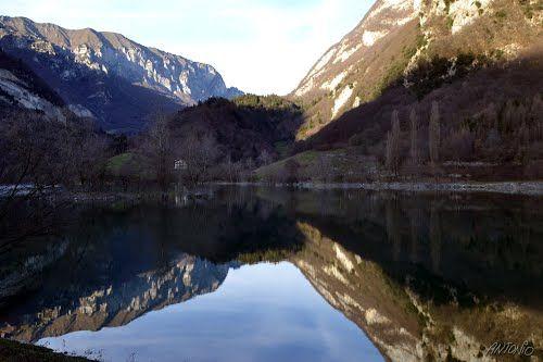 Riflesso sul lago di Tenno