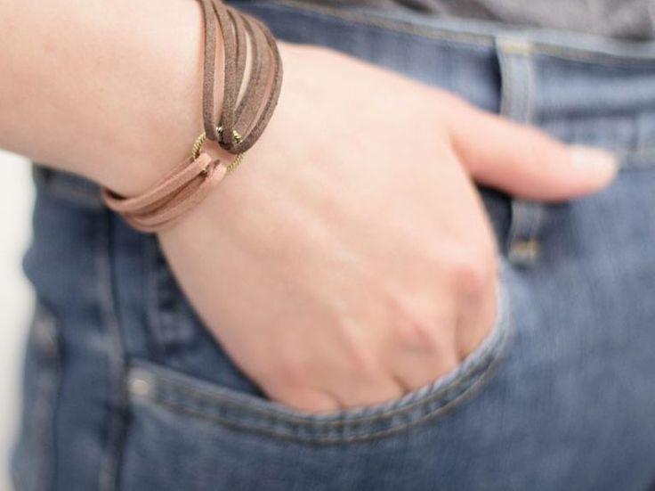 DIY-Anleitung: Armband aus zwei verschiedenen Lederbändern anfertigen / diy tutorial: bracelet made of two different leather straps via DaWanda.com