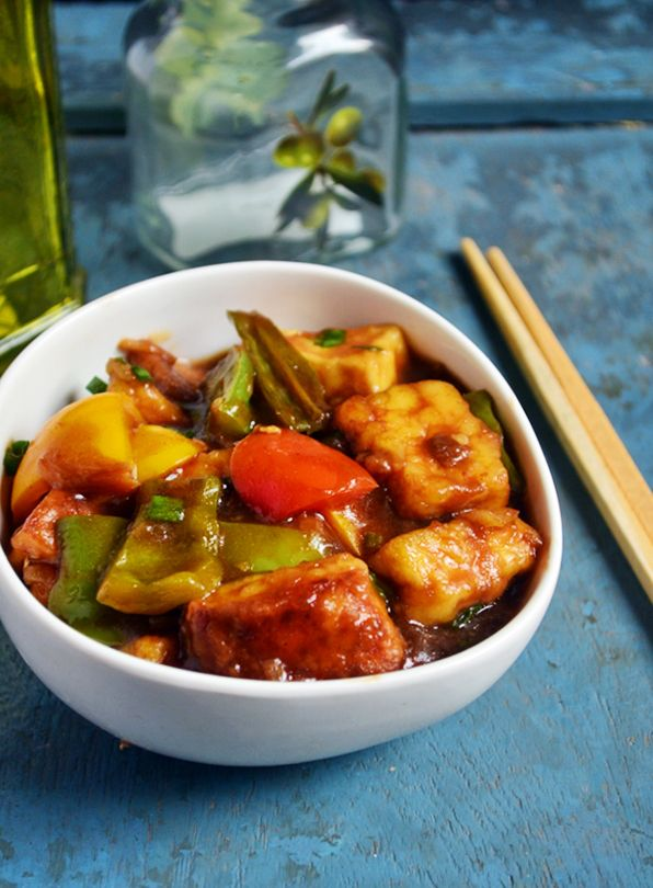 Chilli paneer recipe: Easy to make spicy and flavorful side dish for fried rice,chilli paneer recipe @ http://cookclickndevour.com/chilli-paneer-gravy-recipe