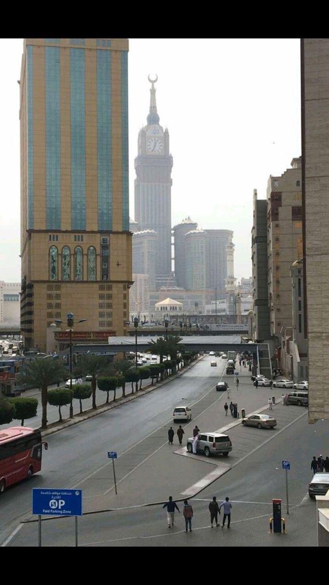 Pin By Tarana Ariff On M A K K A H T O W E R In 2020 Mosque Architecture Mecca Islam Mecca Masjid