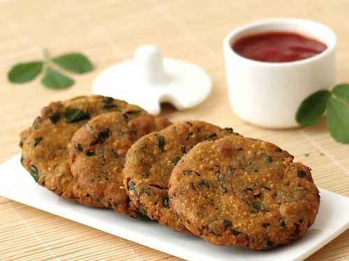 This stp by step photo recipe of bajri dhebra is more or less similar to any Indian flat bread - the vada made from dough of millet flour (bajri flour), methi leaves and spices are deep-fried or shallow fried.