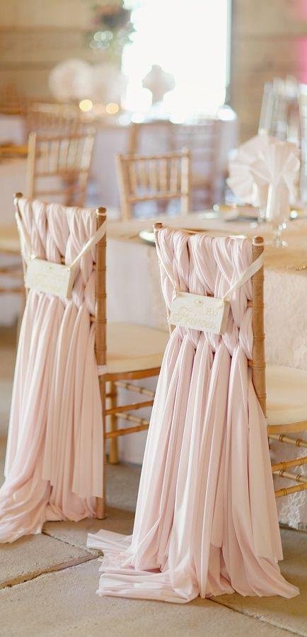 chaises de maries drapes rose poudre