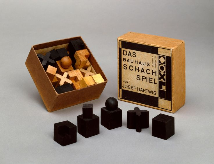 josef hartwig bauhaus chess set model xvi