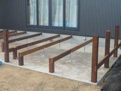 ウッドデッキ用に工夫をされた高耐食鋼製束