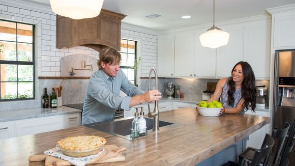 Sorry but someone has to say it: Chip and Joanna Gaines do NOT put family first
