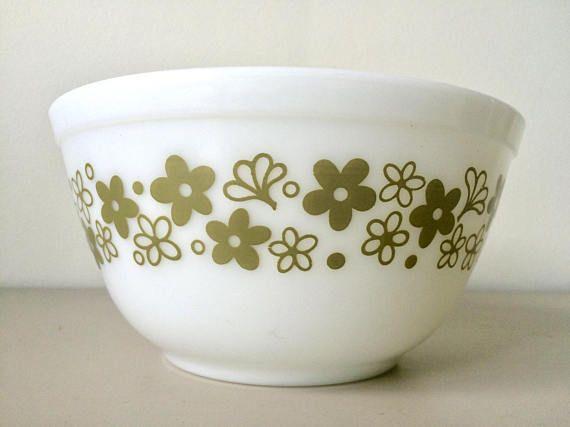 PYREX Spring Blossom Crazy Daisy Flower Nesting Mixing Bowl