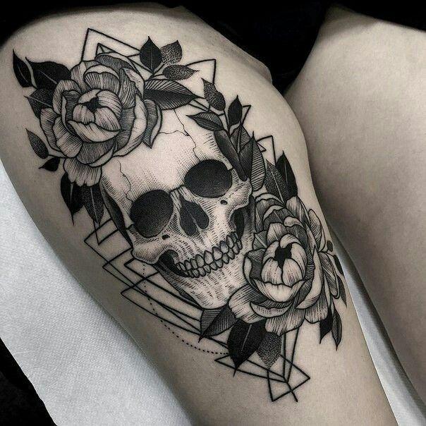 Girl Skull Tattoo Idea Skull Rose Tattoos Skull Thigh Tattoos Tattoos