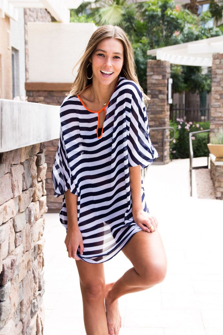 Stripes are a sure-fire way to look good in the sun, and this kimono sleeve chiffon striped beachwear leaves no room for doubt. It weight as light as feather, relaxing and cozy for wearing. Fashionable with contrast striped pattern, neon color neckline and front keyhole.