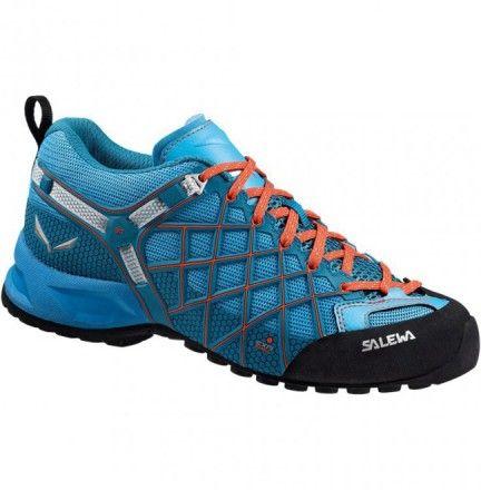 Chaussure Salewa Wildfire Vent Bleu - Chaussure pour femme randonnée trail marche active et montagne - Boutique Salewa La Wildfire est conçue pour les marches d'approche techniques et offre une adhérence et une tenue parfaites dans les terrains difficiles.