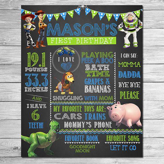 Toy Story cumpleaños foto Prop signo azul pizarra verde / / fiesta de cumpleaños de la historia del juguete / / imprimible Toy Story fiestas favores / / primer cumpleaños