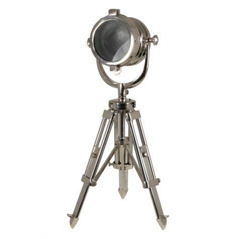 John F Tafellamp is gemaakt van Nikkel en heeft een driepoot poten met een industriële look.