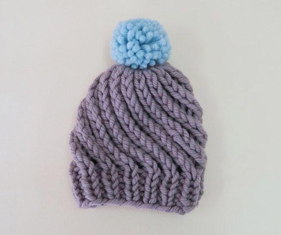 ツイストしたかわいい帽子。編み方を少し変えてオリジナリティを出したい☆大好き編み物♡