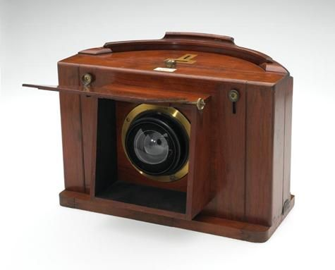 1859 Paneramic Camera patented by Thomas Sutton