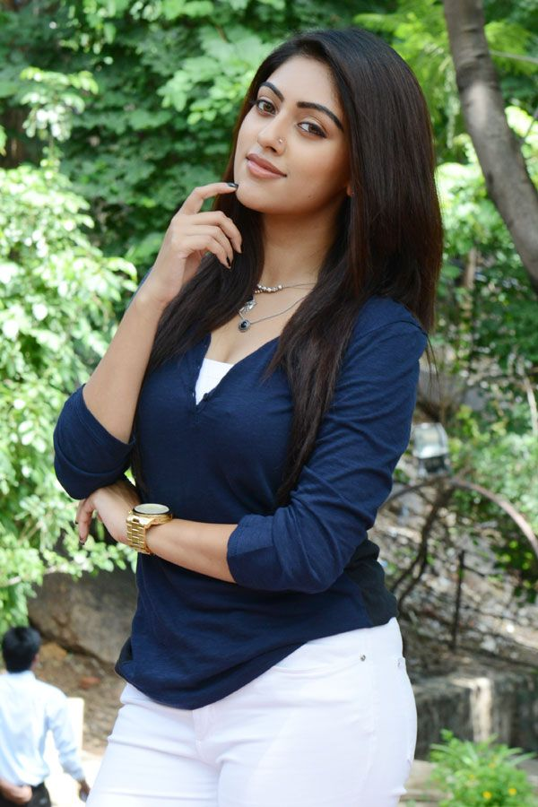 anu emmanuel hot exposed latest pics