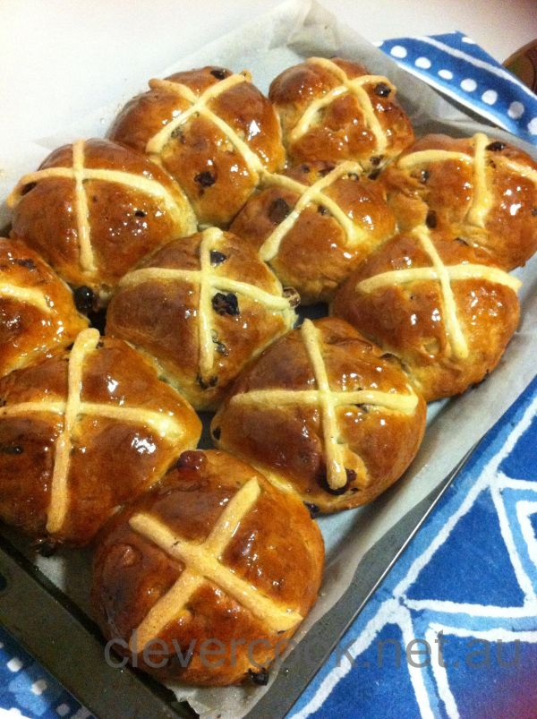 HOT CROSS BUNS - Happy Good Friday 2013