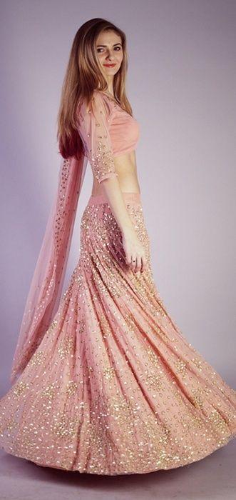 Blush pink cocktail Lehenga by Astha Narang | Find more wedding inspiration at www.wedmegood.com #wedmegood #weddinglehenga
