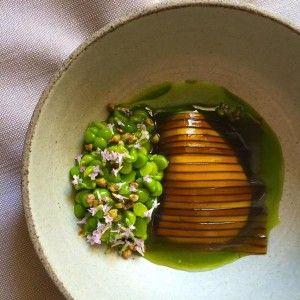 Alga #kelp a fette con piselli dolci e latticello dello #chef stellato René Redzepi