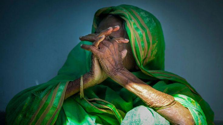 Old lady street photography travel india sultanganj bihar