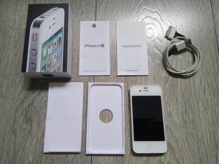Apple iPhone 4 8GB - wit - in originele doos - simlock vrije - Model A1332  Apple iPhone 4 met 8GB van opslag wit. Wordt geleverd met originele doos originele handleidingen & papierwerk en een kabel van USB-gegevens/heffing. Voor hygiënische oorspronkelijke earpods zal niet doeleinden worden opgenomen.De serienummers op de iPhone en het vak overeenkomen wat betekent dat de telefoon wordt geleverd in het oorspronkelijk werd verkocht in hetzelfde vak.De iPhone is in zeer goede staat. Het heeft…