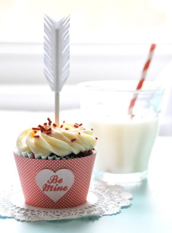 DIY Cupid's Arrow Cupcake Toppers and Treat Bag Toppers