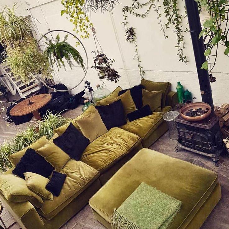 Those gorgeous greens by @claptontram  #lostlorelei #homeinspo #green #homedecor