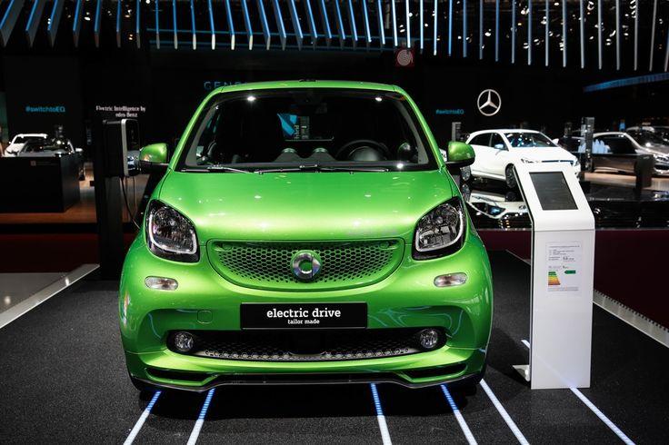 Découvrez la Smart Electric Drive sur le stand de la marque !  Crédit photo : BITTON  #MondialAuto #automobile #automotive #auto #voiture #cars #carsofinstagram #instacar #parismotorshow #event #paris #france #smart