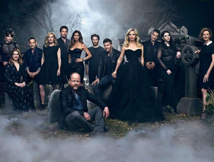 Notícias ao Minuto - Elenco de 'Buffy, Caçadora de Vampiros' reúne-se 20 anos depois
