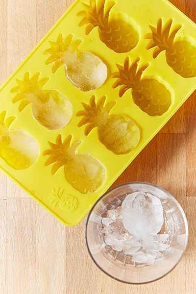 Make all your drinks tropical creations with this silicone ice mold that creates fun pineapple-shaped ice! Perfect to have on hand for parties or turning any place into an island getaway.