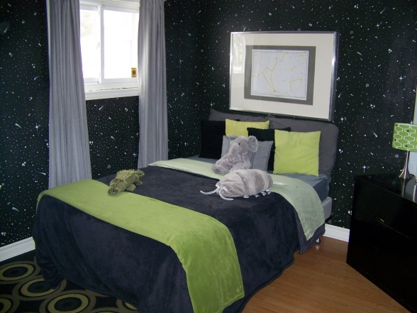 56 best images about decoracion de cuarto nino y nina on for Outer space bedroom design