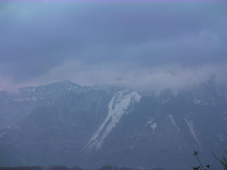 Os belos Alpes Franceses, cobertos com um pouco de neve. Lindo, não? Créditos: Fernando Paiva www.megaroteiros.com.br