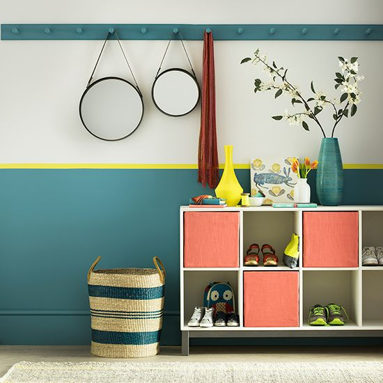 Add a bold splash of colour to a hallway with interesting paint effects and co-ordinating accessories