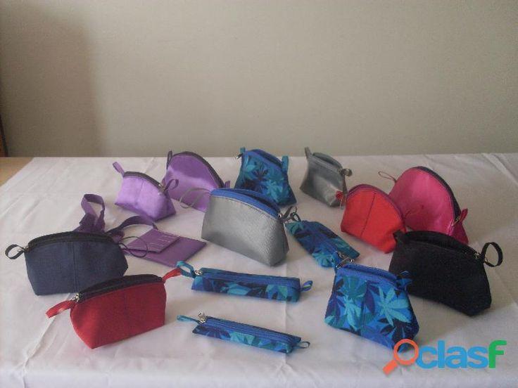 bolsas y bolsos maletines publicitarios,tulas ,portavesidos,chalecos, forros equipos, cortinas