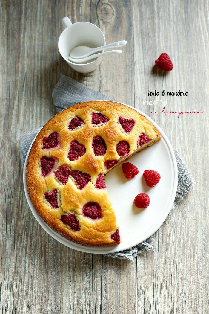 Cucina Scacciapensieri: Torta con ricotta, mandorle e lamponi