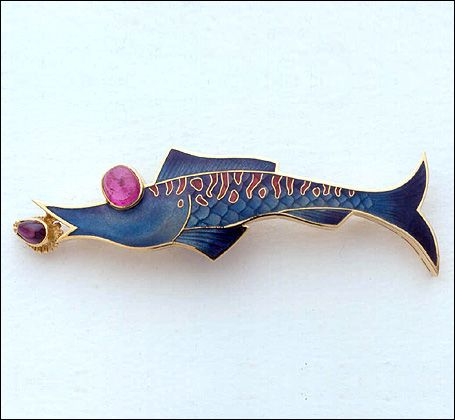 Fred Rich | Fish Brooch  | 18 ct yellow gold and enamel, with rubellite and…
