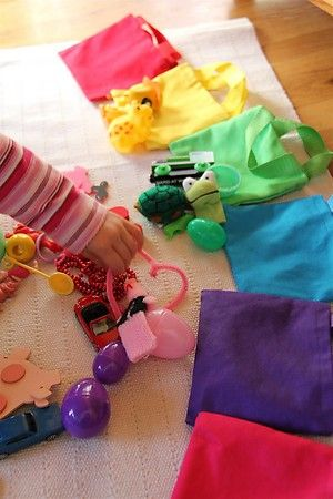 Try a little color bag sorting!Colours Sorting, Colors Bags, Ideas To Teaching Colors, Business Bags, Around The House, Colors Toddlers, Sorting Bags, Activities To Teaching Colors, Colors Sorting Toddlers