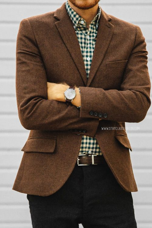 Choosing the Best Brown Leather Jacket. A leather jacket is all about the attitude, and a fashionable brown leather jacket is even more so. Black is simple: it tends to speak for itself. But with brown, you kind of have to do the talking for it.