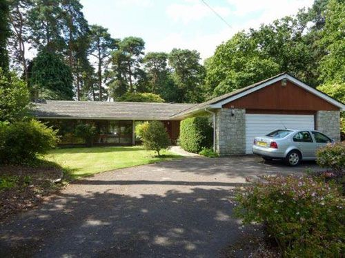 On the market: 1960s ranch-style bungalow in Ashley Heath, near Ringwood, Hampshire on http://www.wowhaus.co.uk