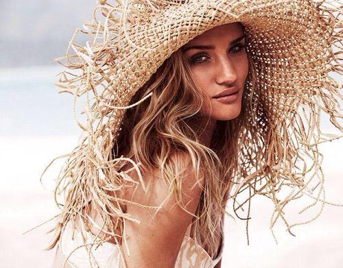 Image via We Heart It #model #rosiehuntington-whiteley
