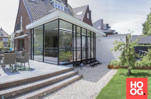 Luxe villa met stalen deuren en kozijnen   tuin ideeën   tuin ontwerp   luxury garden design   Hoog.design