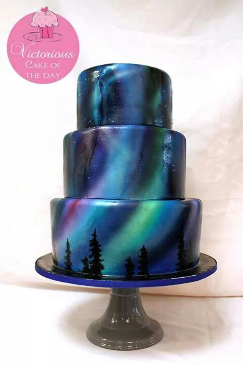 Northern light cake - For all your cake decorating supplies, please visit craftcompany.co.uk - Tap on the link to see the newly released collections for amazing beach bikinis! :D