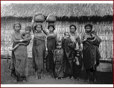 Flores ladies 1915 Nusa Teng.