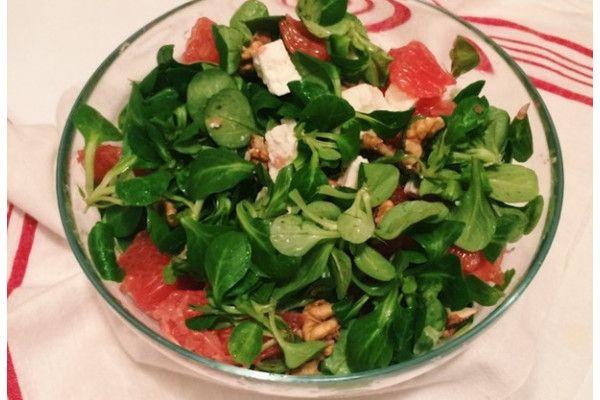 Salata inedita pentru masa de Craciun cu grapefruit si nuci https://doc.ro/salata-inedita-pentru-masa-de-craciun-cu-grapefruit-si-nuci  In marea de sarmale preparate din carne si garnituri greoaie va propunem o salata racoritoare si deosebita pentru masa de Craciun de anul acesta.