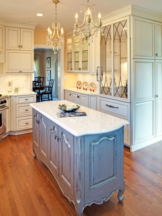 Custom Kitchen Islands Pictures Ideas Tips From Hgtv: Granite-Topped Kitchen Island With Round Sink : Designers
