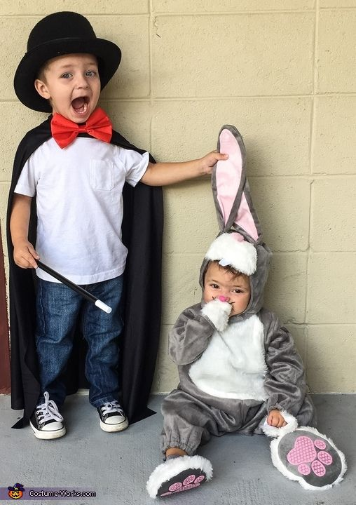 Felix: This is our children AJ and Tucker! My wife came up with the idea. Our oldest Aj loves magic and we just thought it would be a great idea.